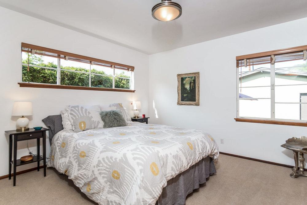 031-Back_Bedroom-5028016-medium.jpg