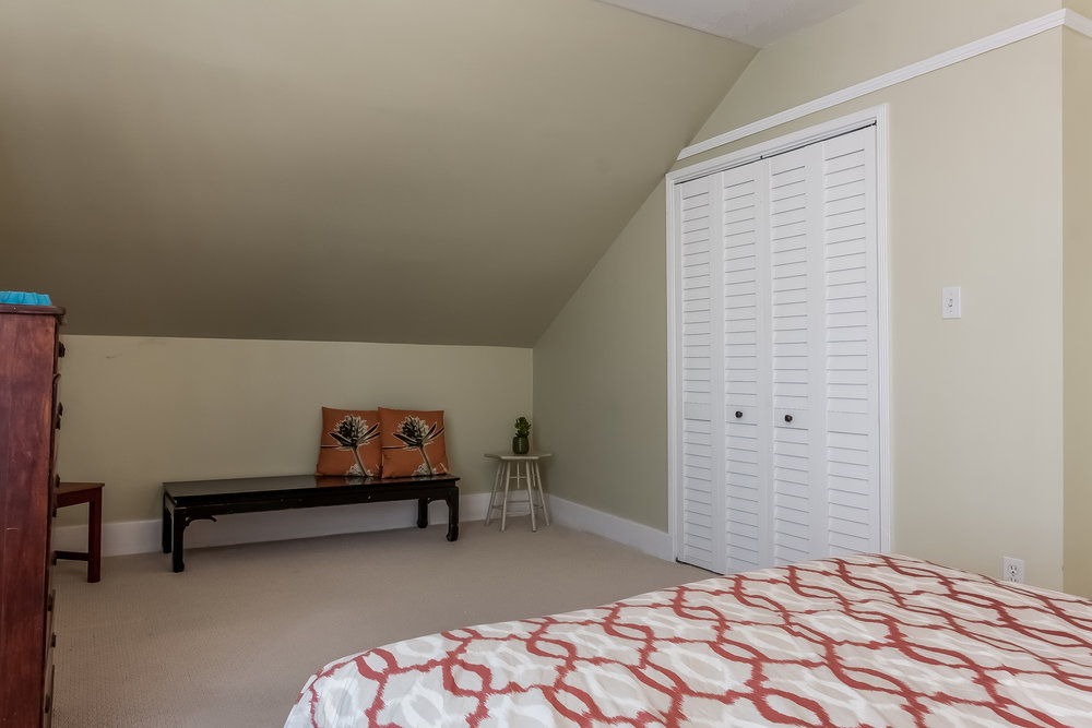 020-Bedroom-1926905-medium.jpg