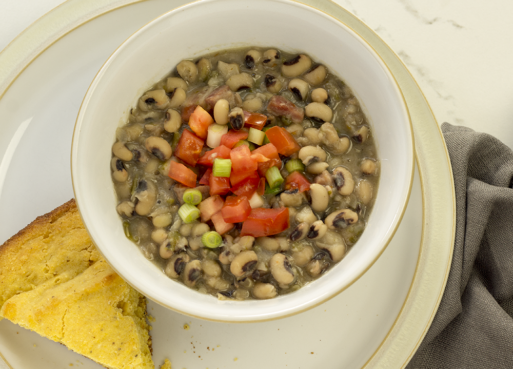 black-eyed-peas-in-bowl.png