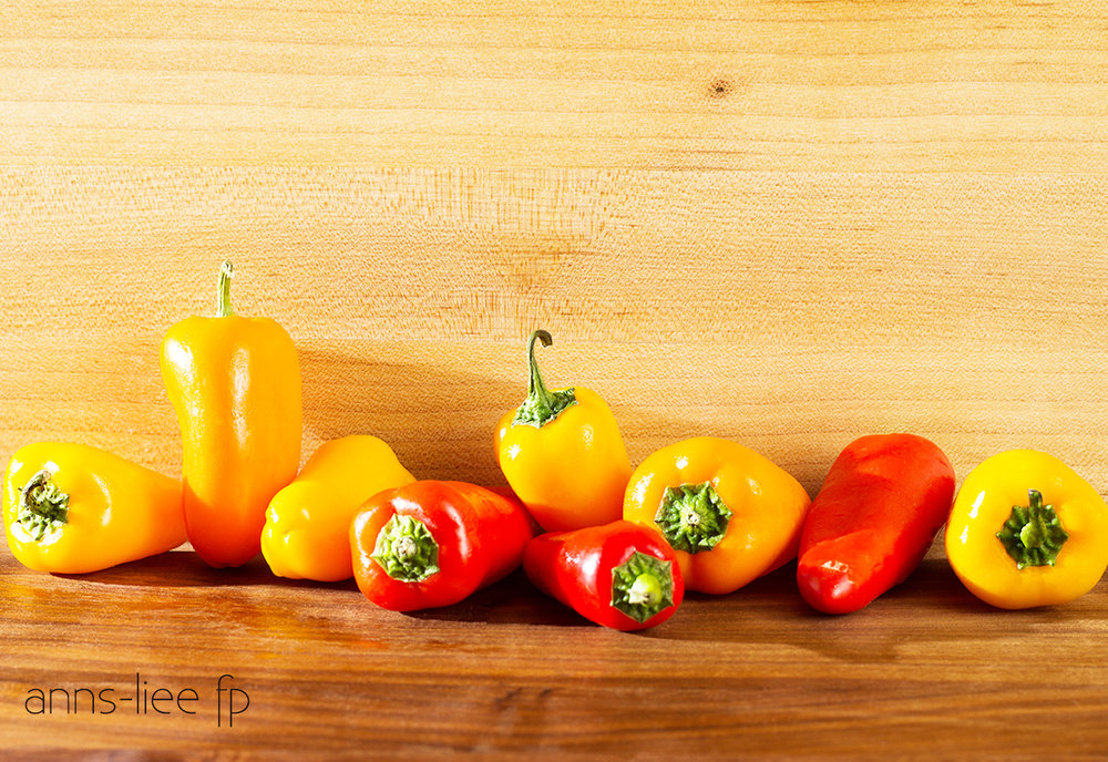About mini sweet bell peppers - Vine sweet mini bell peppers are hybrids of bell peppers. But they have fewer seeds and are sweeter. The flavor is mild and not hot. They range in sizes 1-1/2