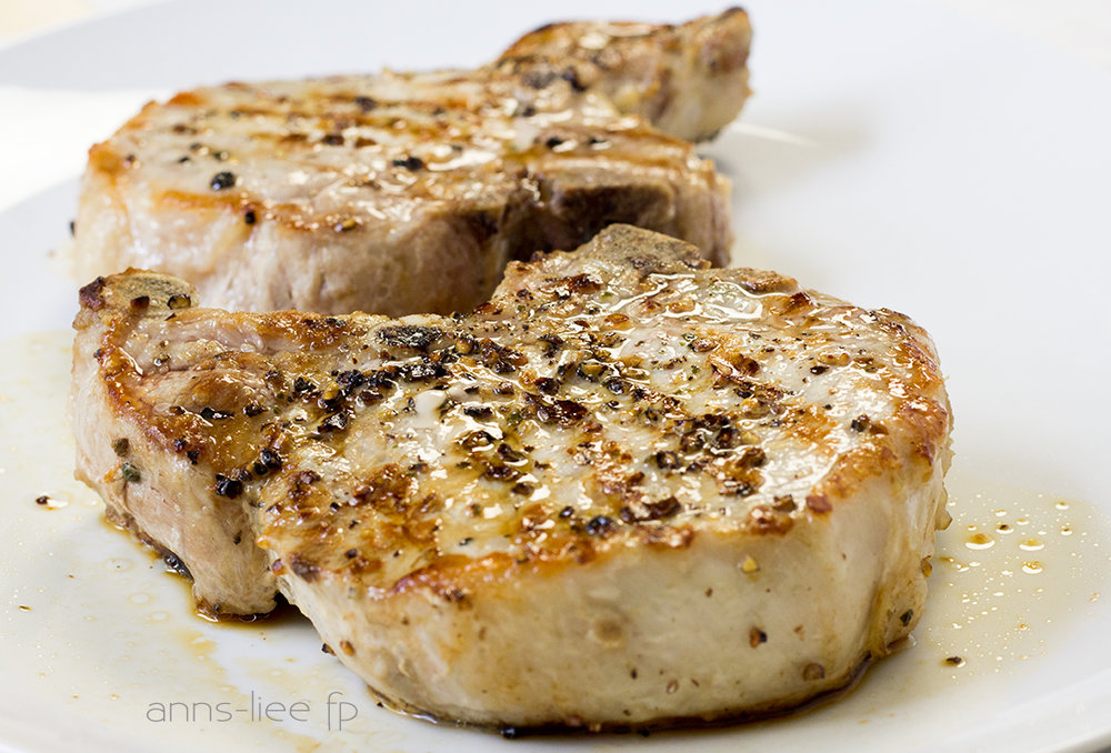 Pan-charred pork chop light