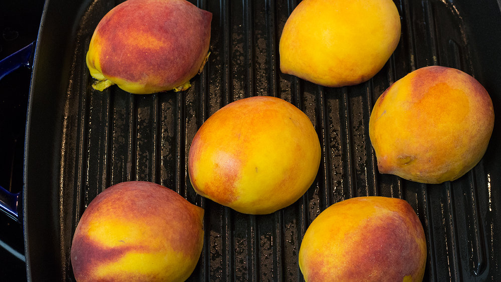 Grilling-peaches.jpg