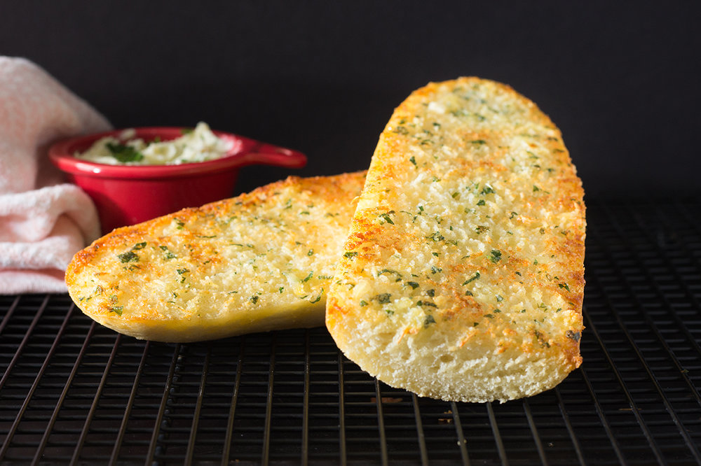 Roasted Garlic Parmesan Bread-2625.jpg
