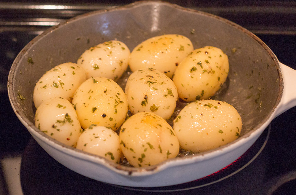 Small Whole Potatoes Parsley-3857.jpg