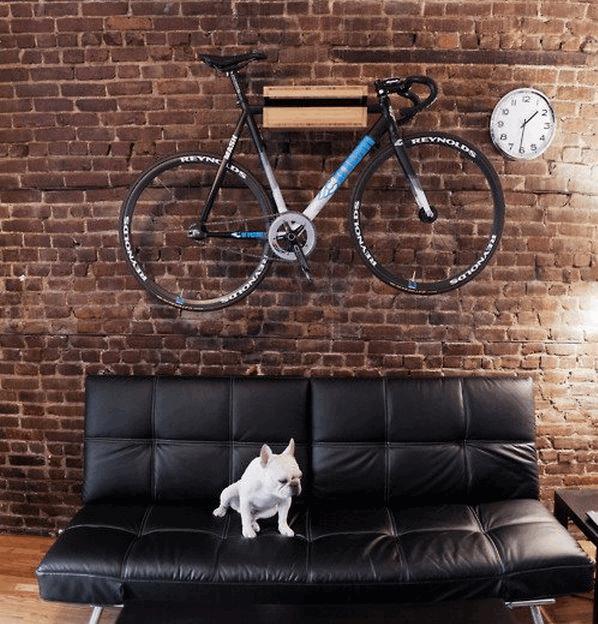 black_leather_sofa_brick_wall_mounted_bike_2015-06-24_1141.png