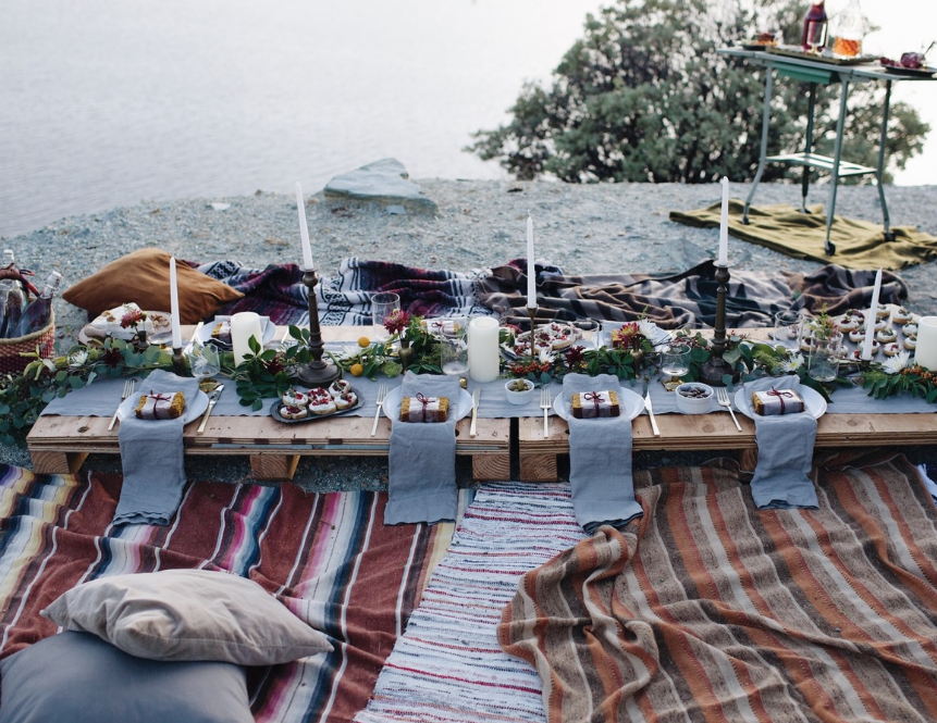 beach-picnic-tablesetting-13-2016-06-30_1155.png
