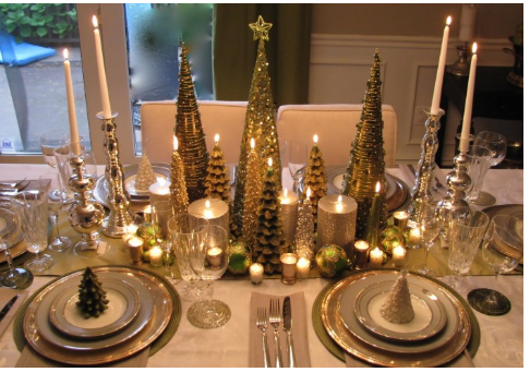 Christmas tree theme tablescape   source