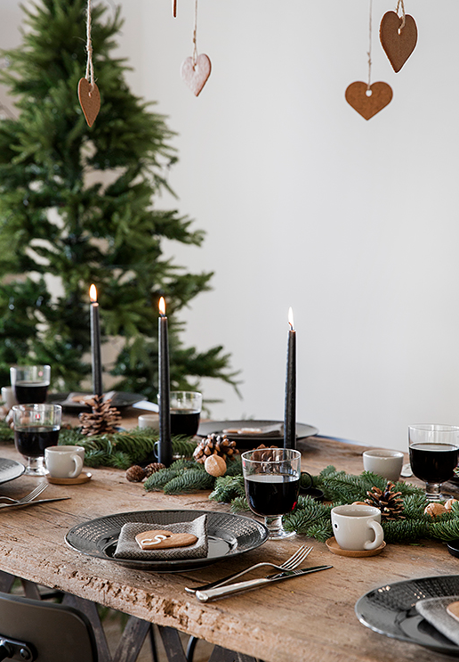 Contemporary rustic Christmas tablescape   source