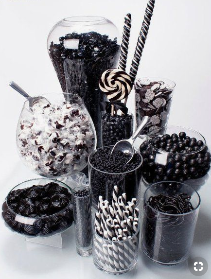 Black and white candy buffet   source