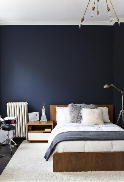 blue wall bedroom source:   Remodelista