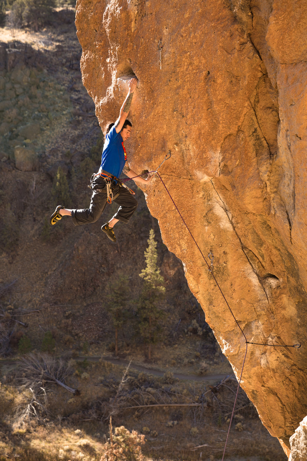 Juan Rodriguez on Toxic, Smith Rock. Photo by Nicole Wasko, @nicole_wasko