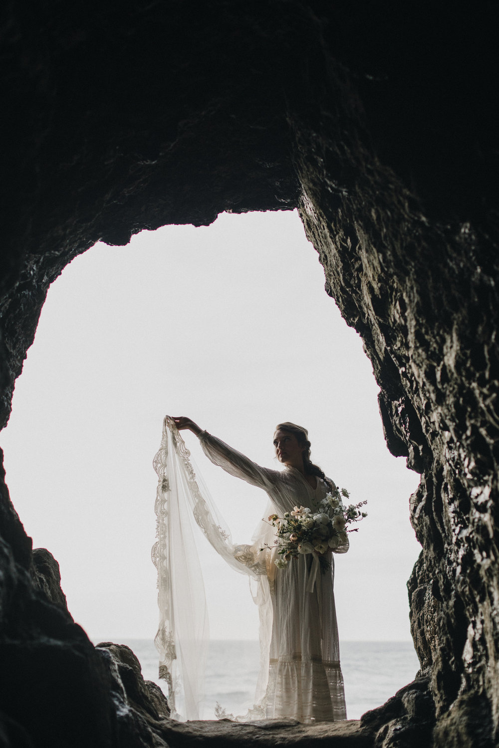 alixann-loosle-oceanside-oregon-wedding-09.jpg