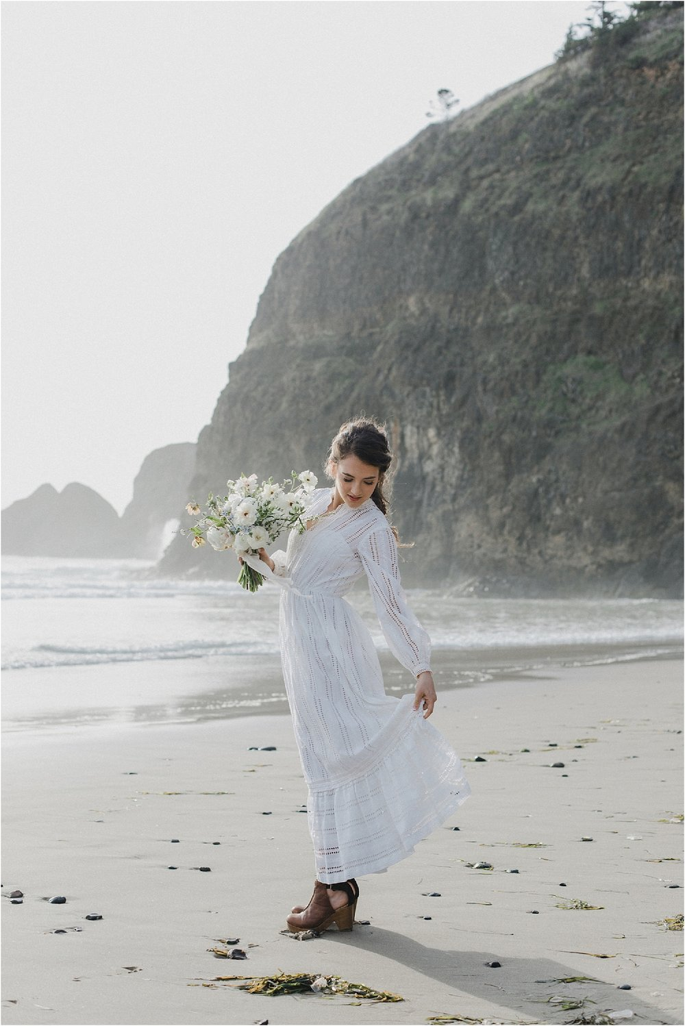 cannon-beach-oregon-elopement-08.jpg