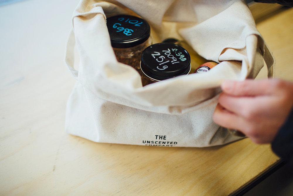 sac avec pots.jpg