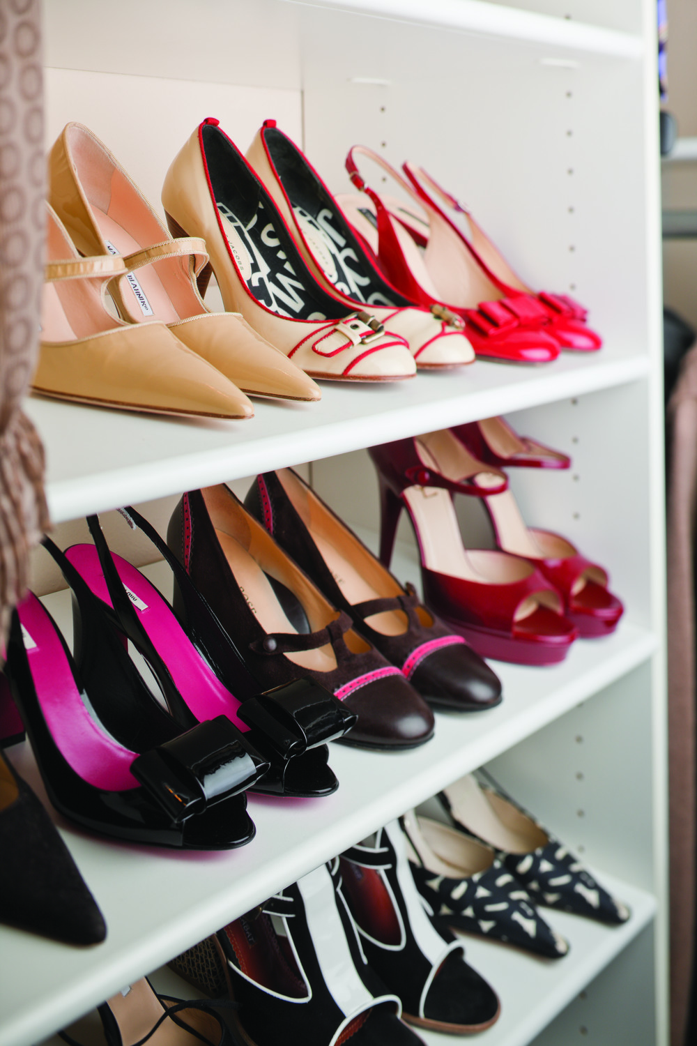 Adjustable Shoe Shelving