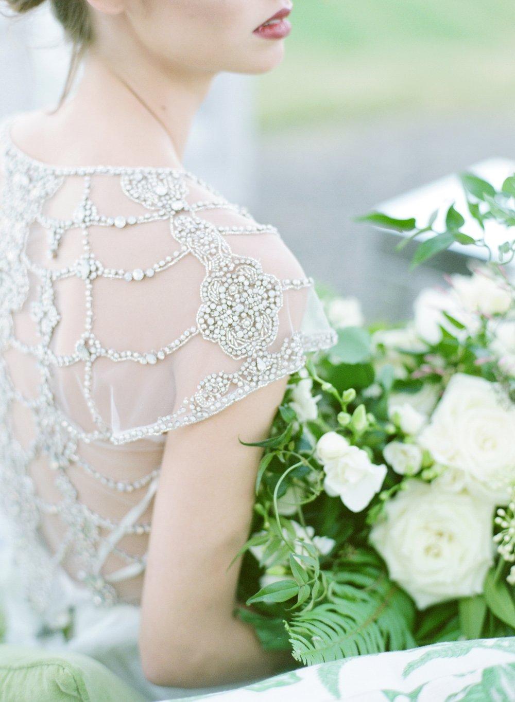 Fine art green and white wedding inspiration by Columbus, Ohio wedding planner Meggie Francisco. Photo by Jenny McCann.
