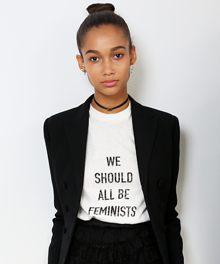 "Tee-shirt ""we should all be feminists"" by Dior"
