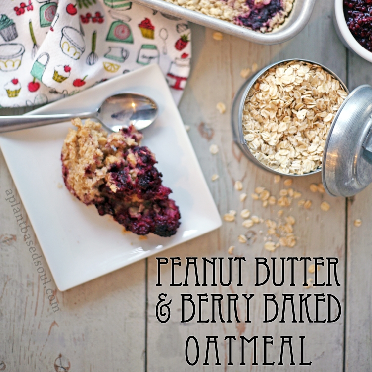 Peanut Butter and Berry Baked Oatmeal