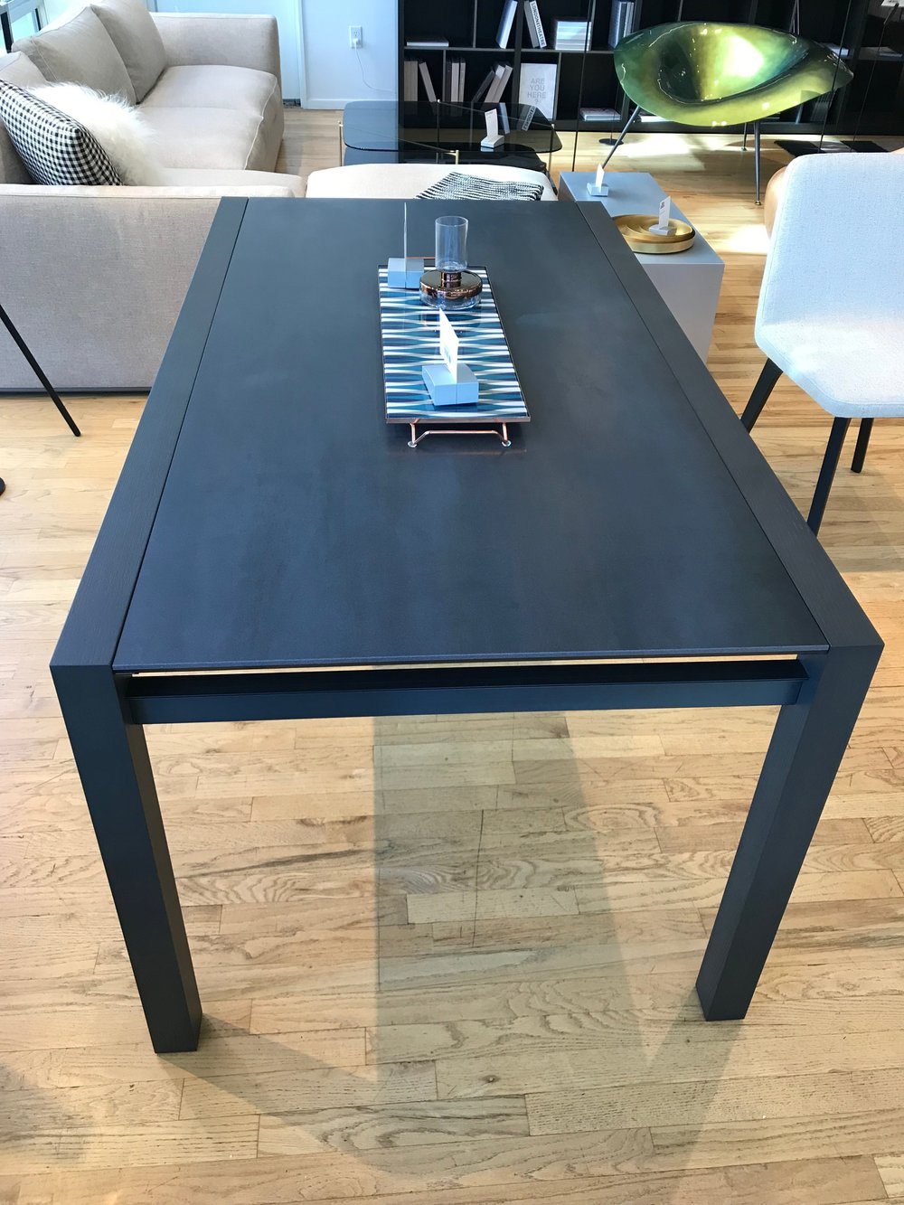 Daria Dining Table Showroom Model