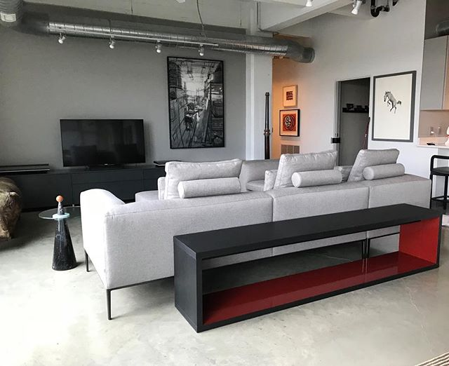 Delivery day in downtown DSM | @bebitalia Michel sofa and Frank table . . . #bebitalia #italiandesign #contemporaryfurniture #designerfurniture #downtowndsm #desmoinesiowa #moderndesign #interiordesign #interiors #designinspiration #luxuryliving #design #projectscontemporaryfurniture