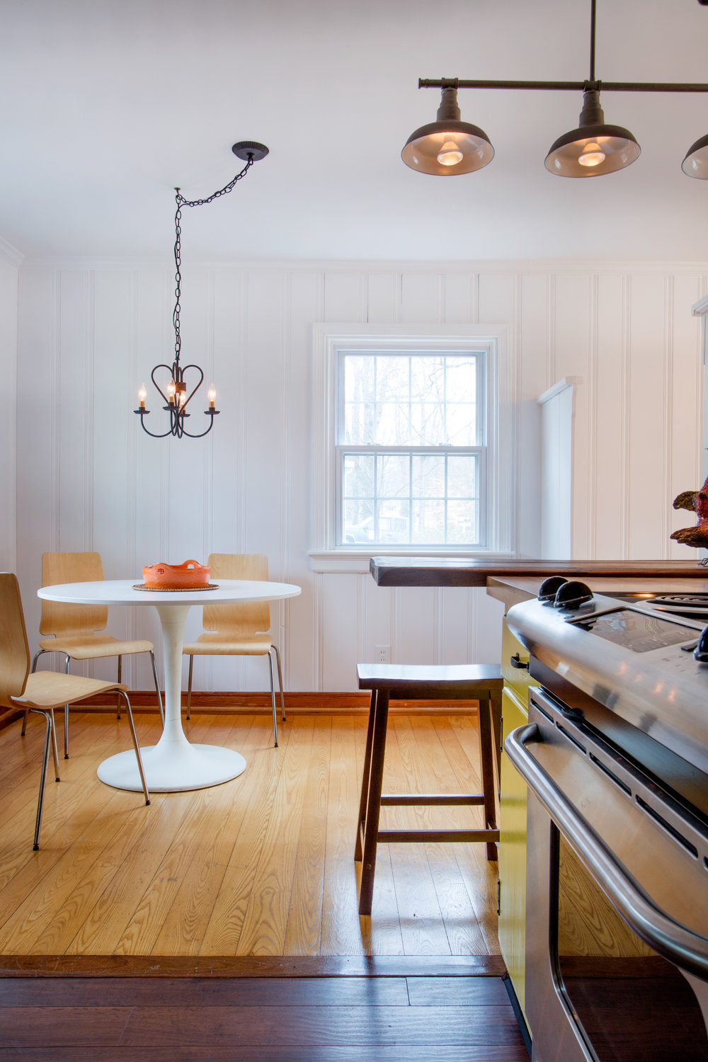 To Dining Room from Kitchen. (Photo: Kent Eanes)