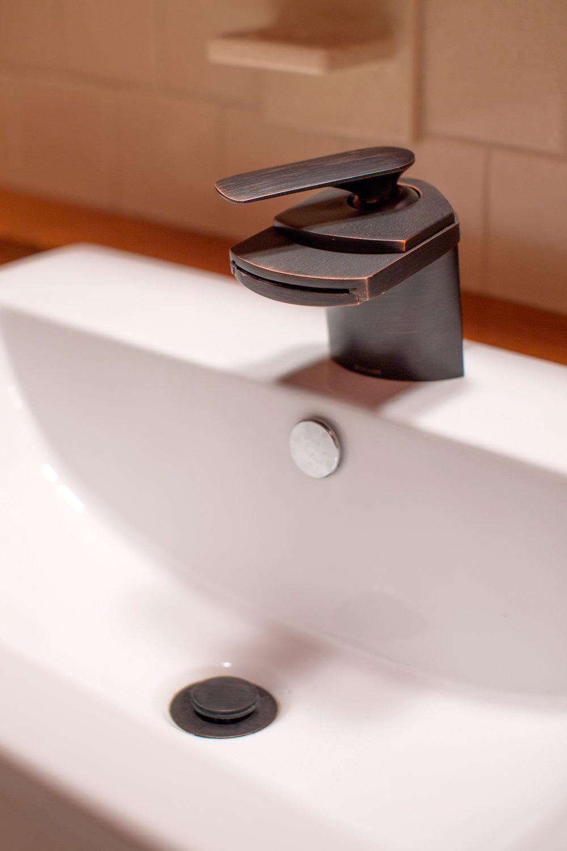 Bathroom Detail. (Photo: Kent Eanes)