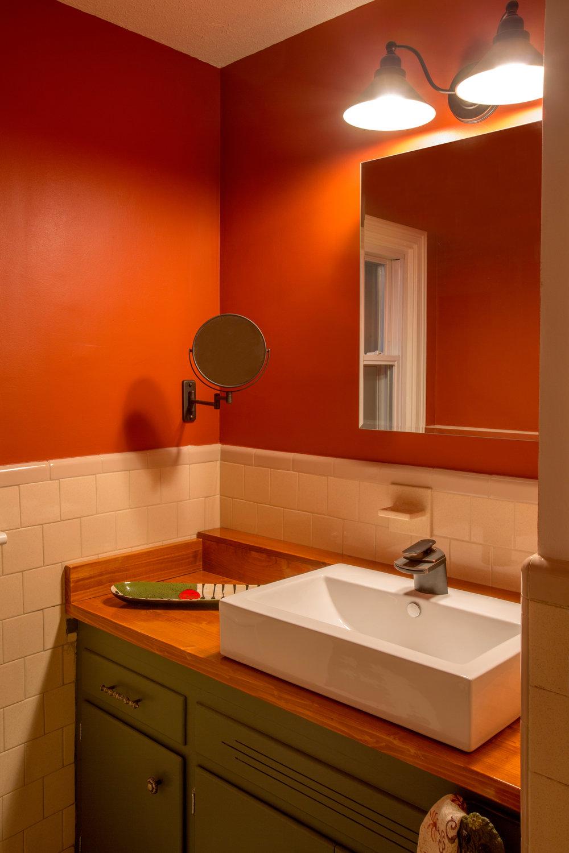 Custom Bathroom Sink Countertop. (Photo: Kent Eanes)