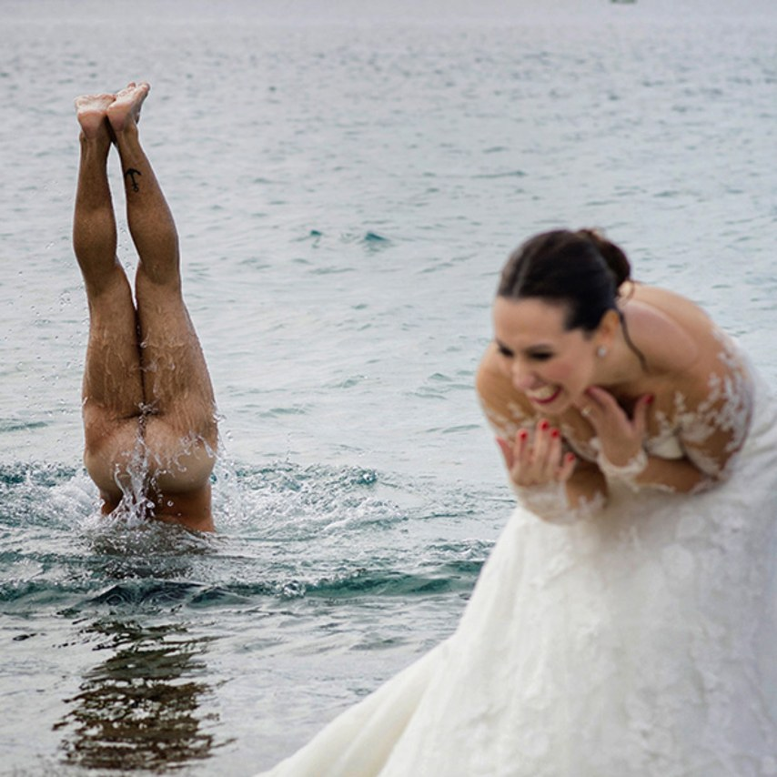 Epic wedding dip! (image via Brides.com)