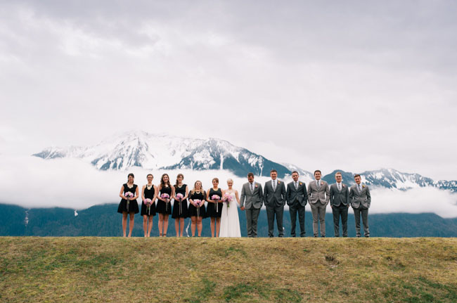 Epic mountain range (image via @greenweddingshoes)
