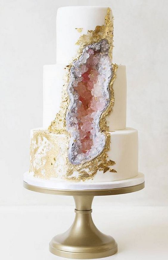 Epic wedding cake (image via Pinterest)