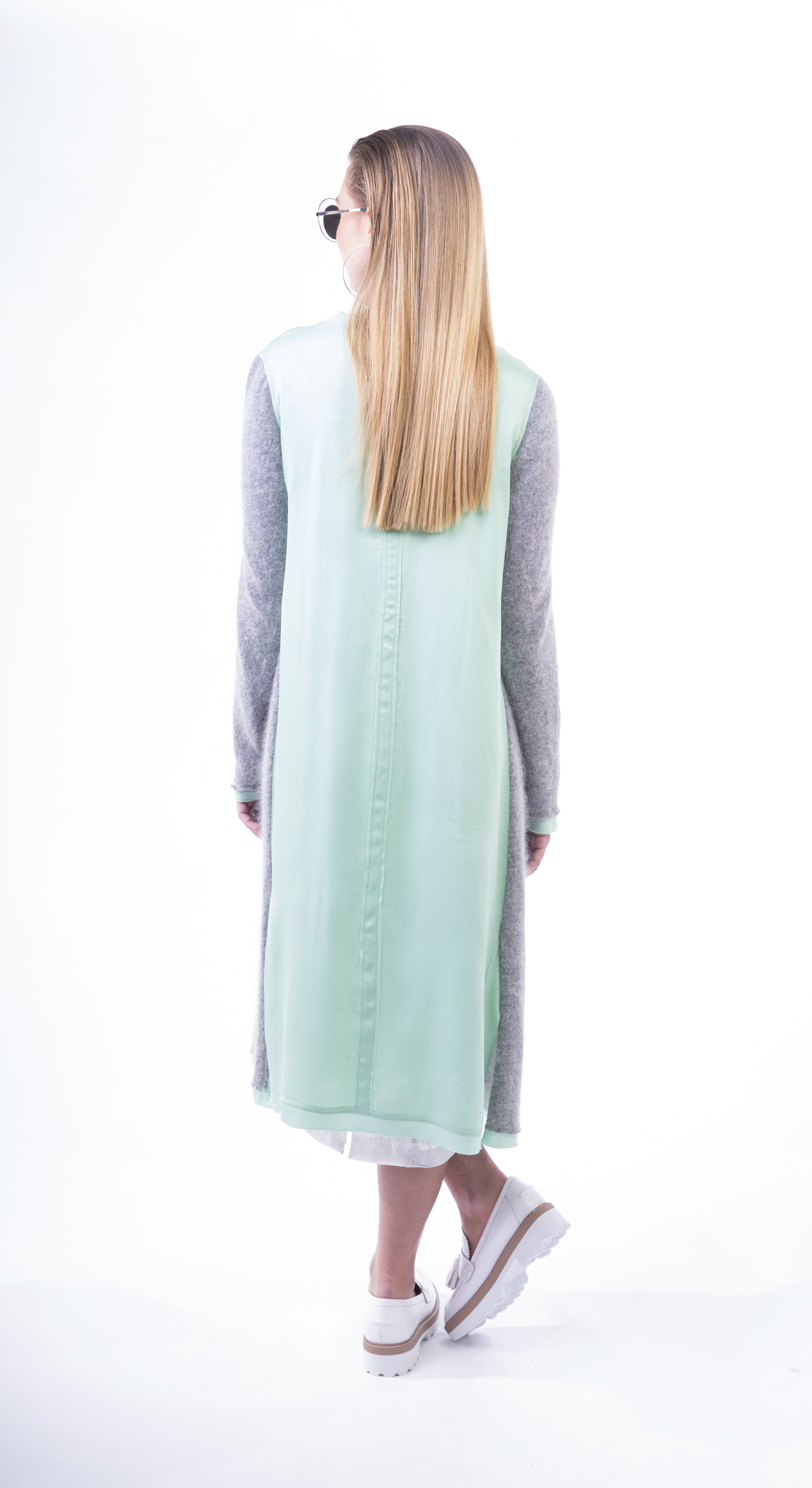 GREY HARE CARDY 2.png