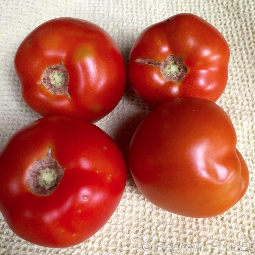 First Tomatoes 04 07282016.jpg