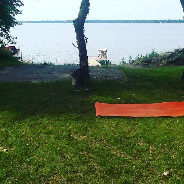 Join Shannon at @theatrelhommedieu every Thursday from 9-10 am all summer. . #lakesideyoga #onlyinmn #livewideopenmn #exploremn #yogainmn #mnyogis #explorealex #livingalexarea #likeitliveit #outdooryoga