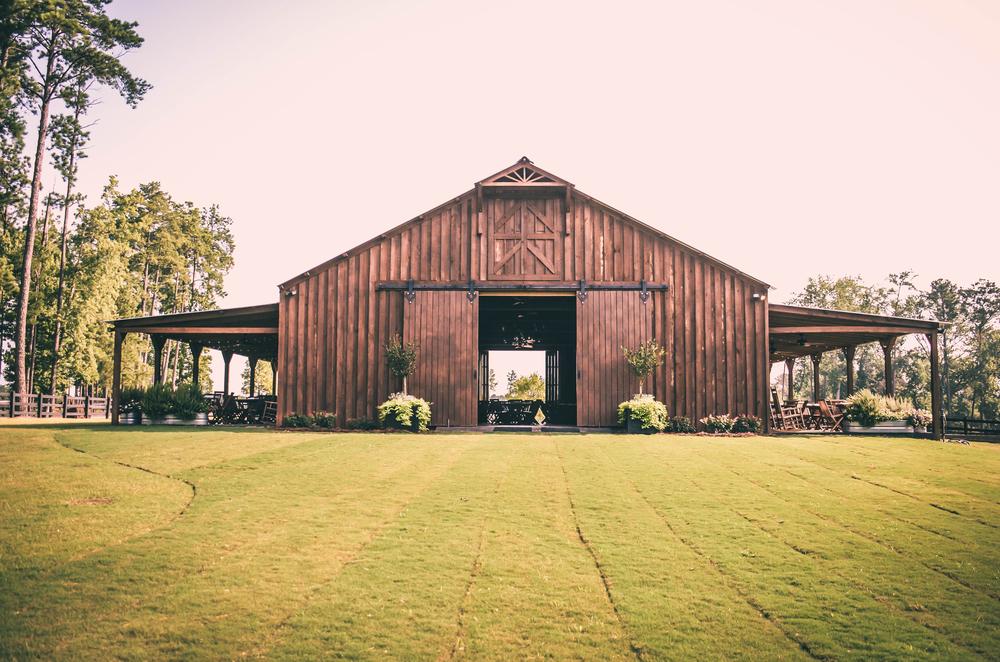 The magnolia barn pine knoll farms for Magnolia farmhouse