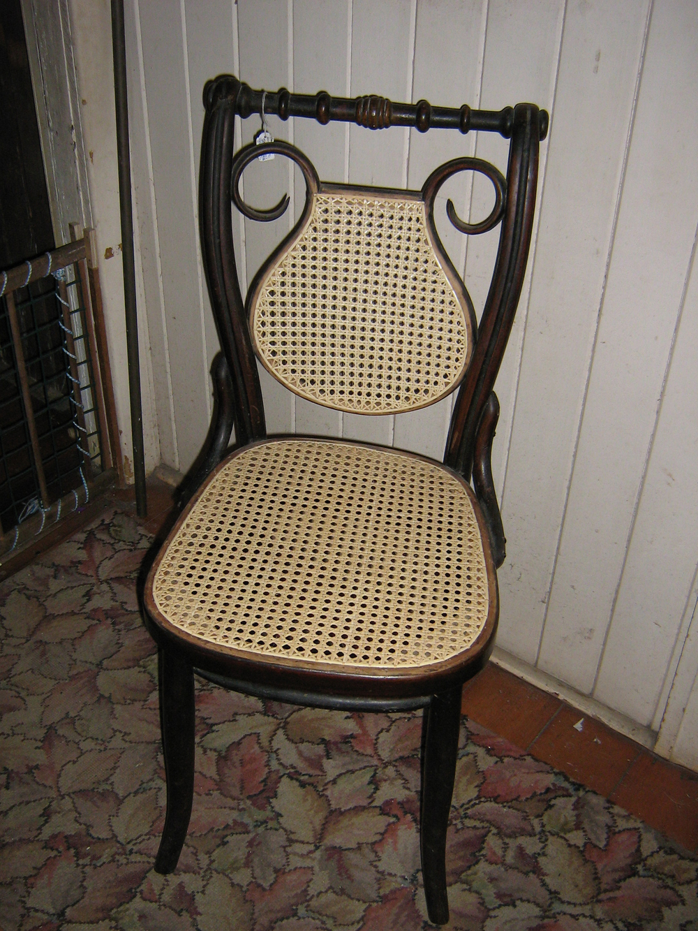 These Two Types Of Chair Seating Look Very Similar, Although They Are  Fitted To The Seat In Very Different Ways. Hand Caned Seating Consists Of  Long Strands ...