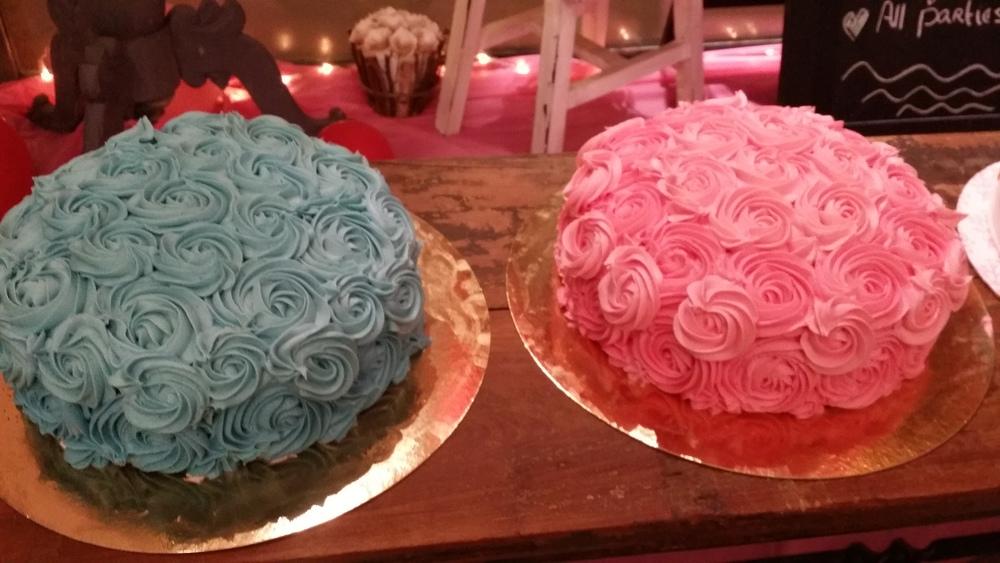 rosecakes.jpg