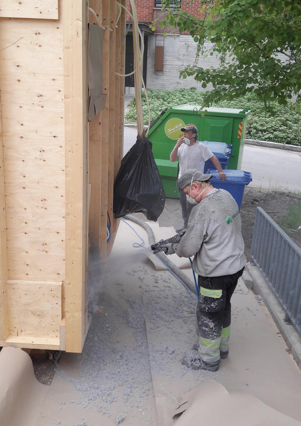 Ekovilla spray short wall.jpg