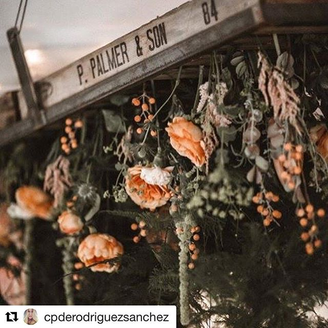 Hanging wedding flowers. Thank you for the wonderful photos @cpderodriguezsanchez . A beautiful wedding to be part of