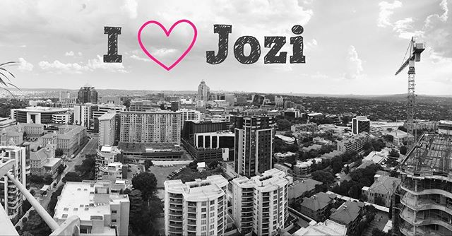 I love living in the city and I love Jozi and its people.. 😃. Grateful for all the fantastic opportunities this city has to offer.  #joburger #jozi #jozilife #ilovejozi #iphonography