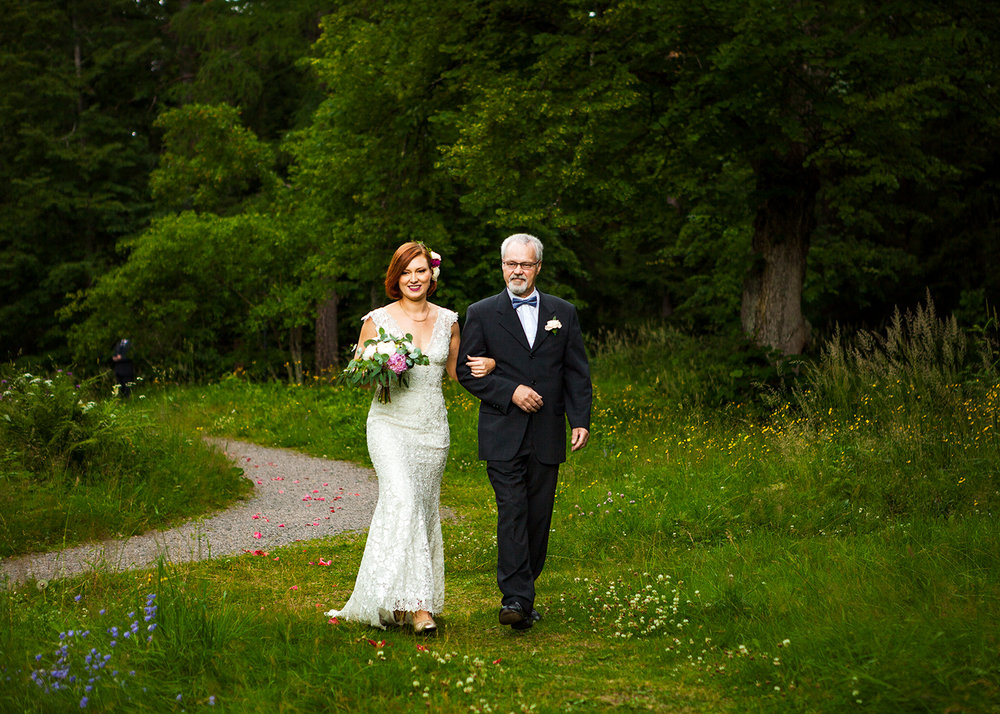 Weddingphotography_by_Sanni-Siira_08.jpg