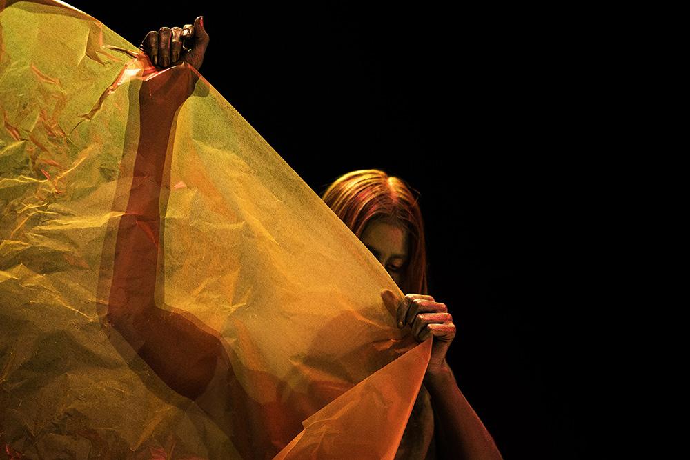 Dry storm, koreografia: Sara Gurevitsch,  Helsinki 2018.
