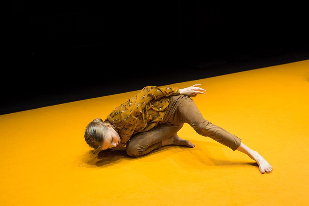 Teini, koreografia Janina Rajakangas. Zodiak, Helsinki 2018.