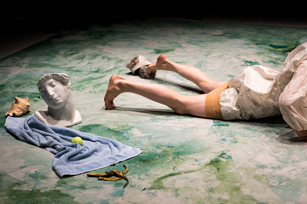 a life - nomadic melodrama, koreografia: Jenni-Elina von Bagh. Helsinki, 2017.