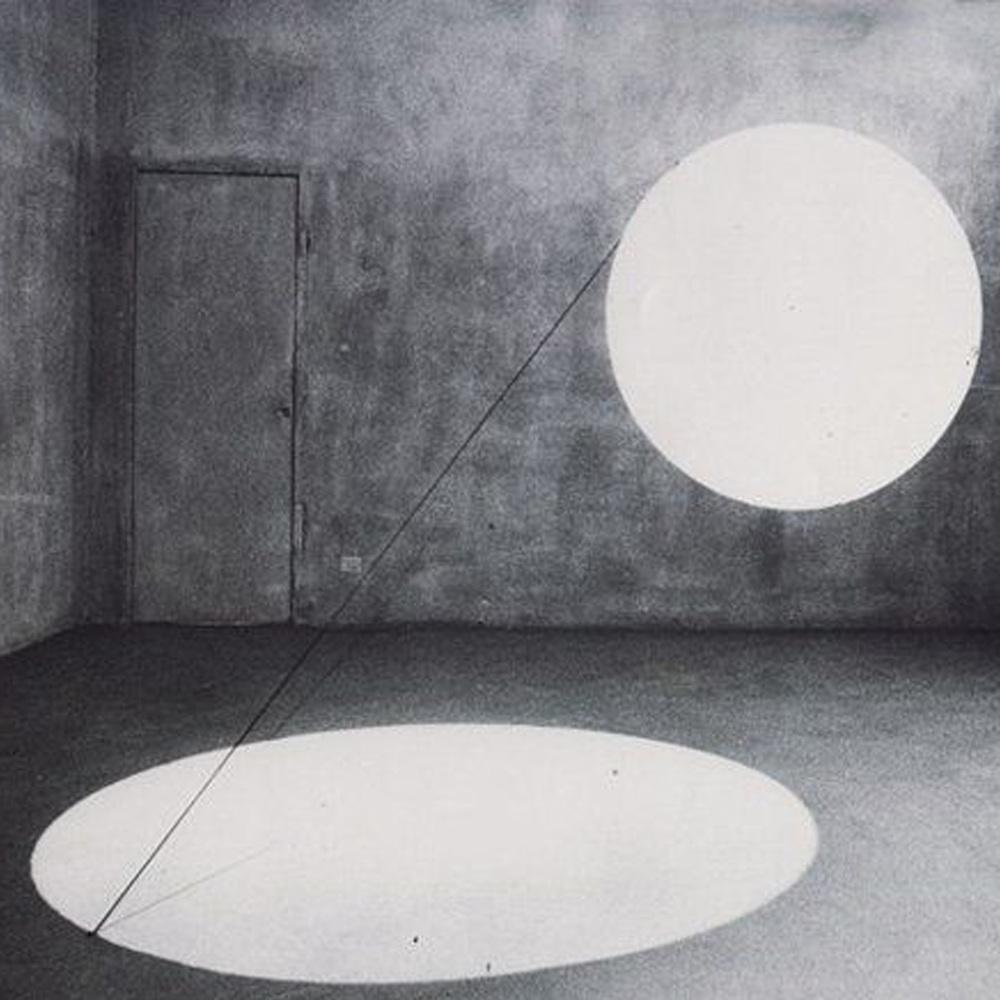 Maurizio Mochetti, Cilindro - Due disci di luce (1968)
