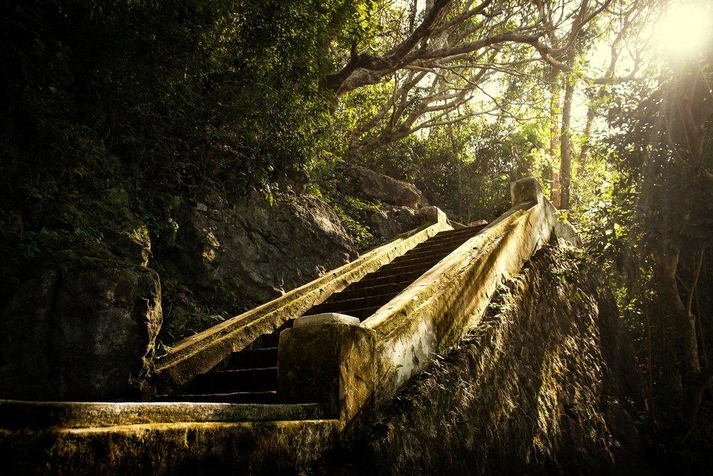 Luang_Prabang_Stairs.jpg
