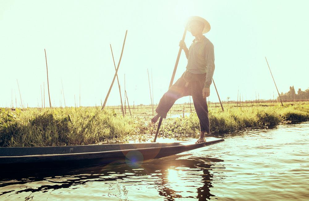 Fisherman_Flare_Myanmar.jpg