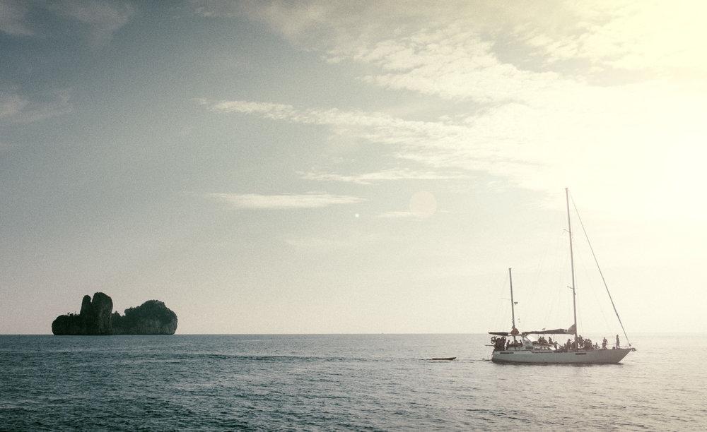 phiPhi_Boat_Flare.jpg