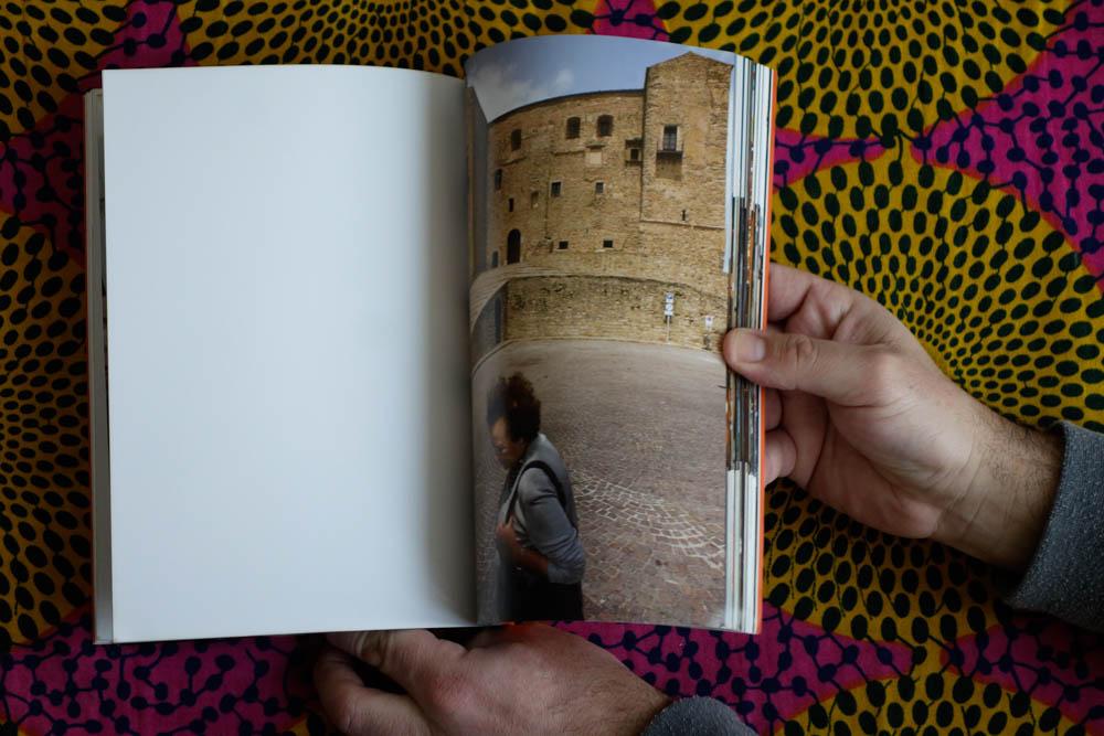 books_025.jpg