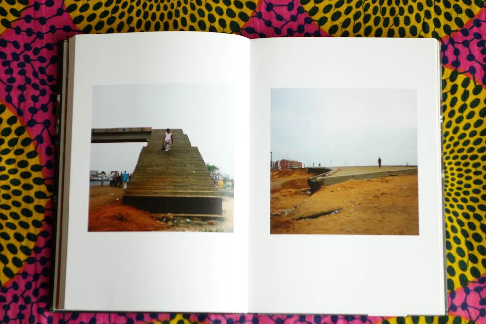 books_012.jpg
