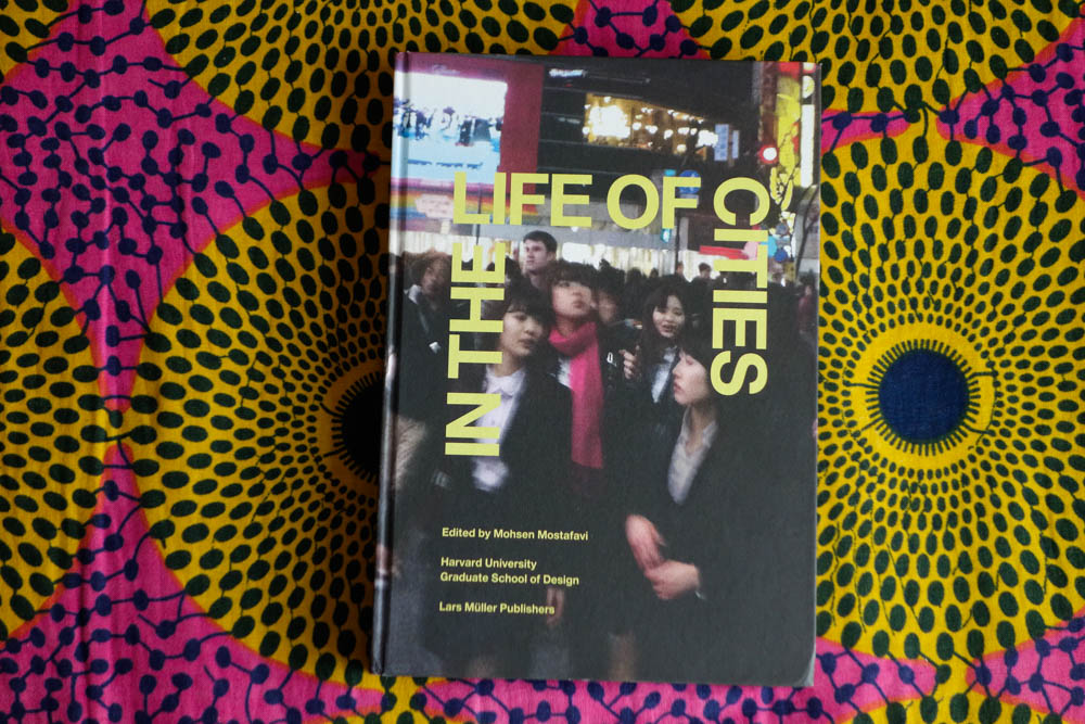 books_008.jpg